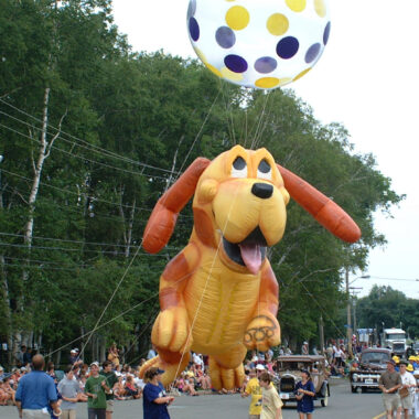 Happy Puppy Parade Balloon, 25'