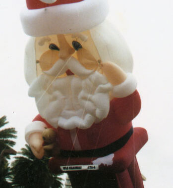 Santa Parade Balloon, Down the Chimney