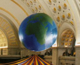 World Globe Parade Balloon (Topographic), 25'
