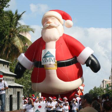 Santa Parade Balloon (Jingle all the Way)