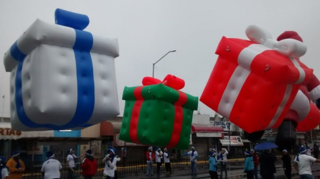 Gift Box Parade Balloon