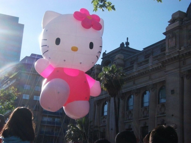 Hello Kitty Parade Balloon