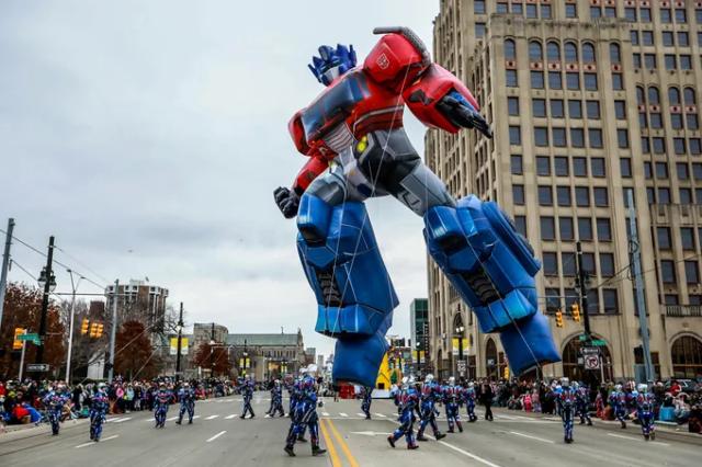 Optimus Prime Balloon Detroit Parade