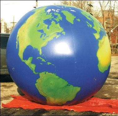 World Globe Parade Balloon Small