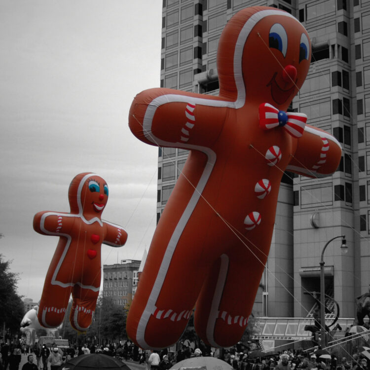 Gingerbread Cookie Parade Balloon, 30'