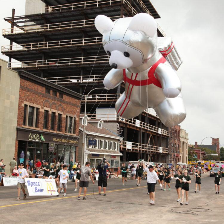 Astronaut Parade Balloon, Space Bear
