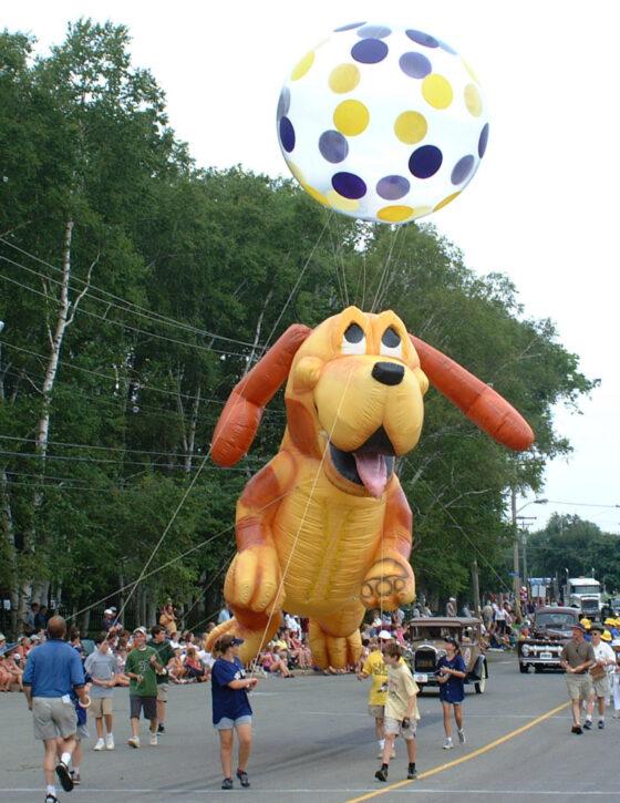 Happy PuppyParade Balloon, 25'