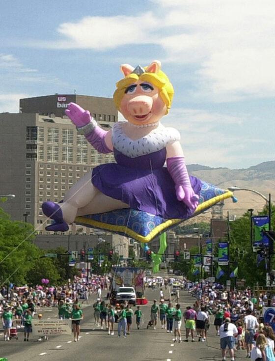Miss Piggy Parade Balloon
