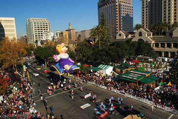 Miss Piggy Parade Balloon