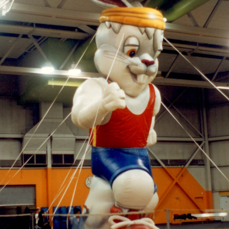 Running Rabbit Parade Balloon, 30'