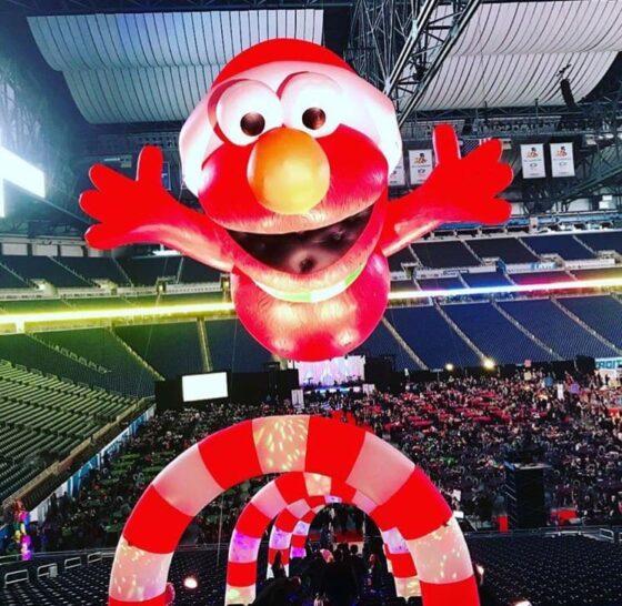 Santa Elmo at Hob Nobble Gobble