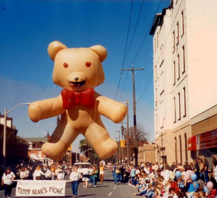 Teddy Bear Parade Balloon, 35'