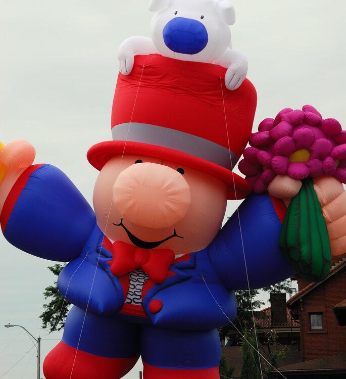 ziggy parade balloon magician