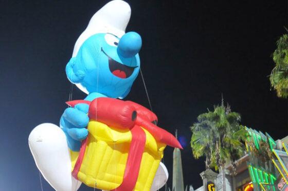 the-smurfs-hollywood-christmas-parade