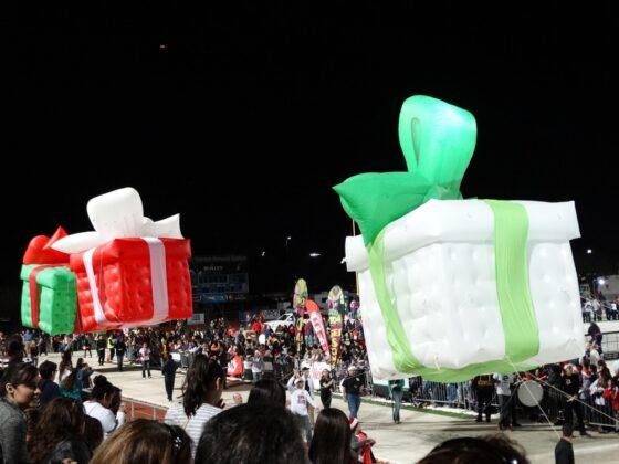 Christmas Gift Parade Balloon
