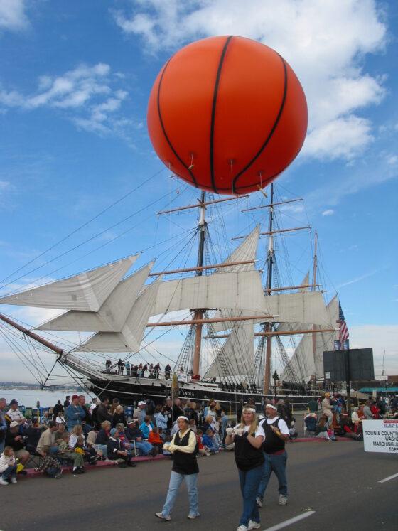 Basketball Parade Balloon, 10'