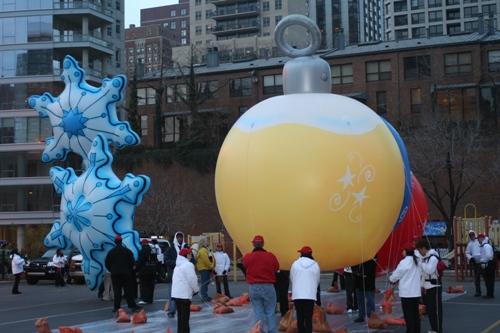 Christmas Ornament Parade Balloons