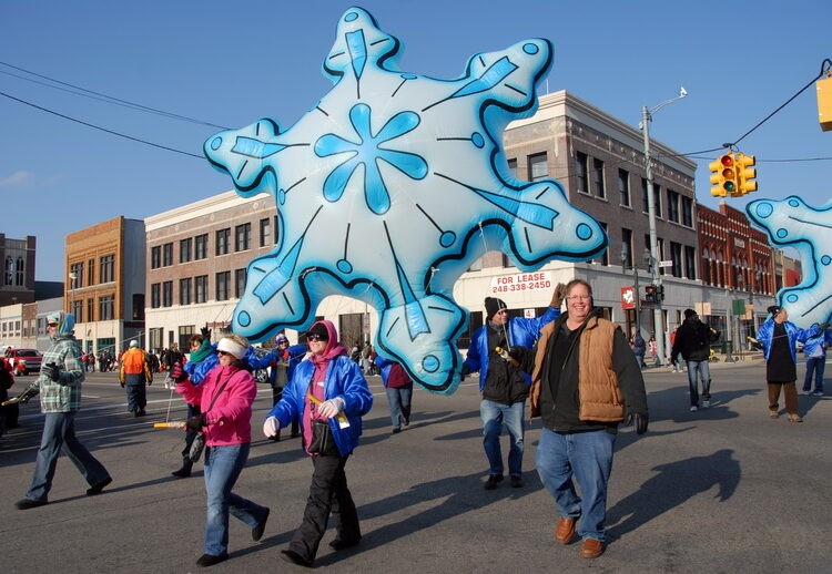 Snowflakes Parade Balloon, 13'