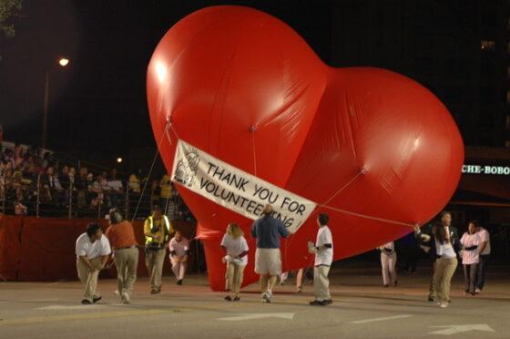 Red Heart Parade Balloon