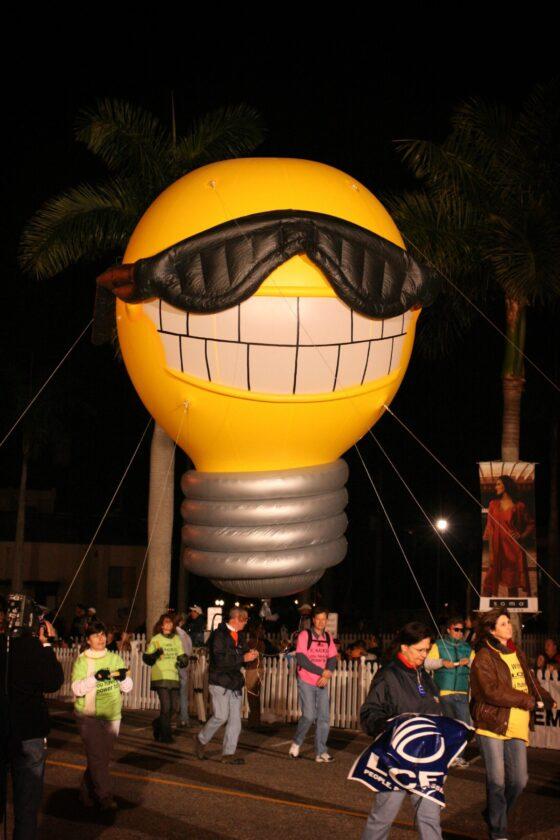 Sunny the Light BulbParade Balloon, 15'