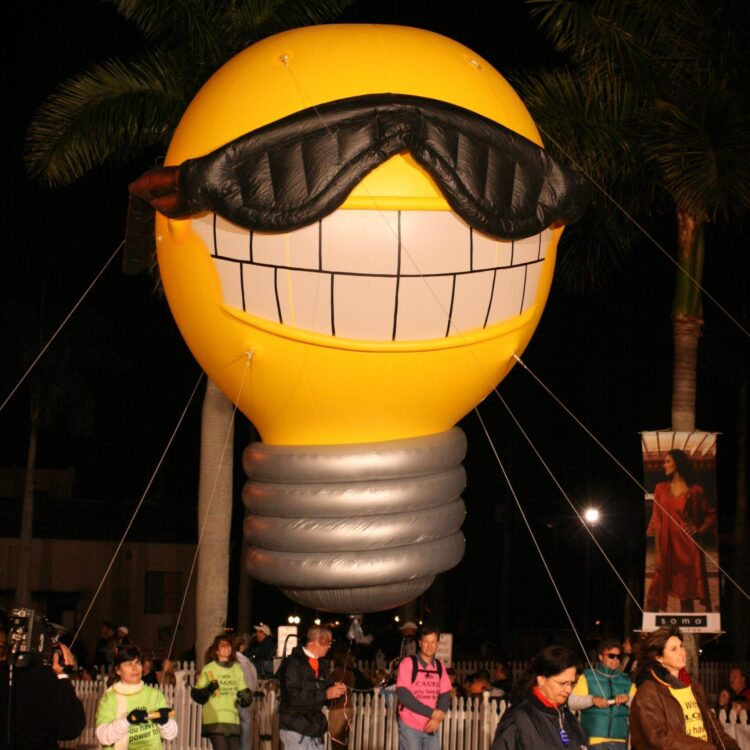Sunny the Light Bulb Parade Balloon, 15'