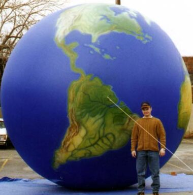 World GlobeParade Balloon, 14'