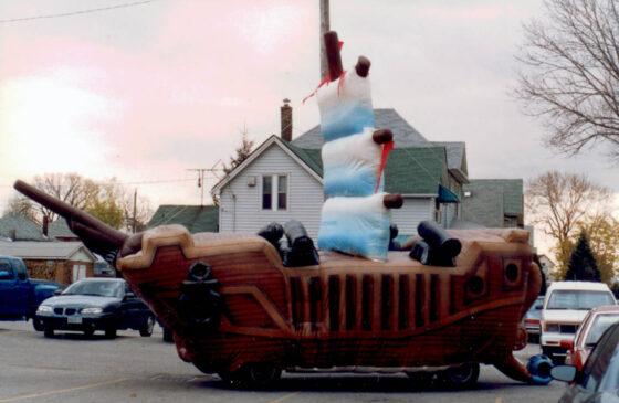 Gulliver's Schooner (Pirate Ship) Inflata-Float