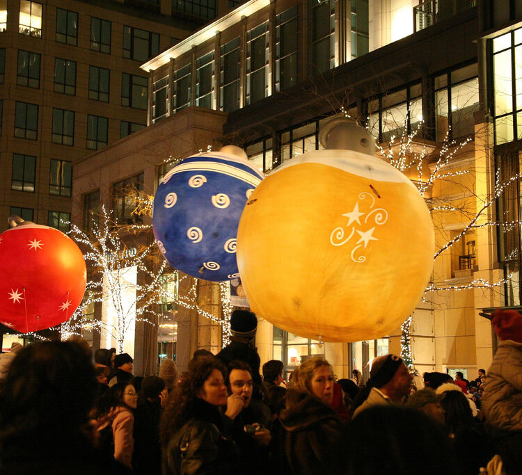 Christmas Ornament Parade Balloons