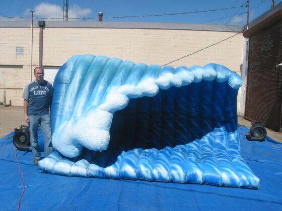 Wave Parade Balloon