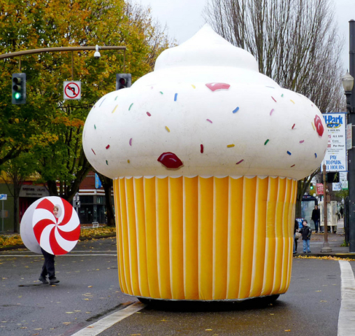 Cupcake Parade Balloon