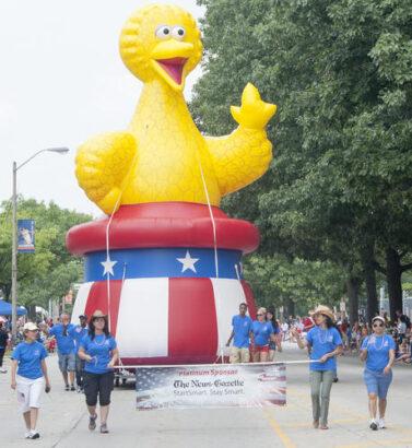 Bird Bird Parade Balloon