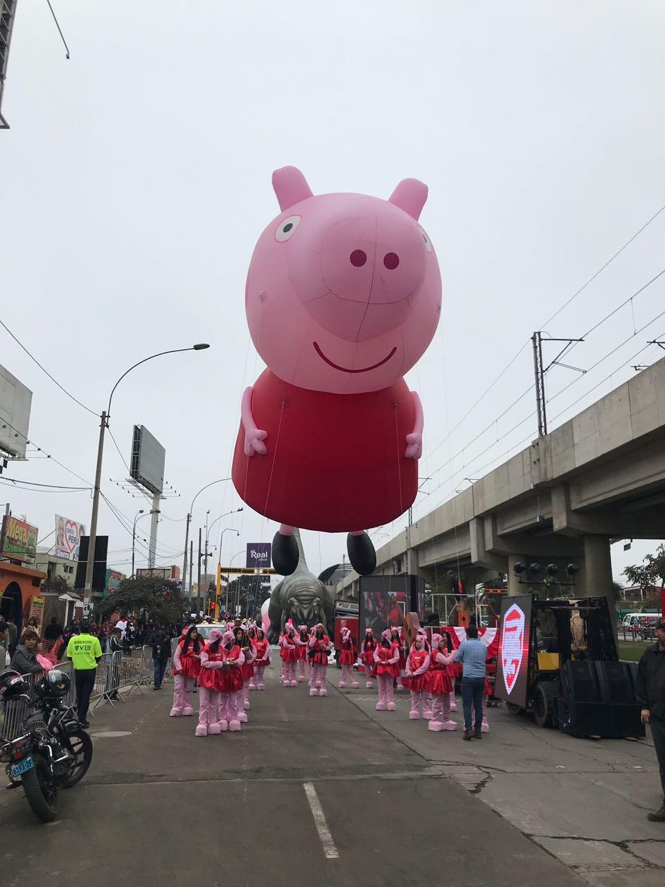 Peppa Pig Parade Balloon