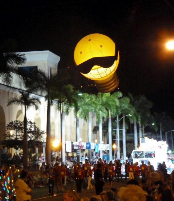 Lighted Light Bulb Parade Balloon