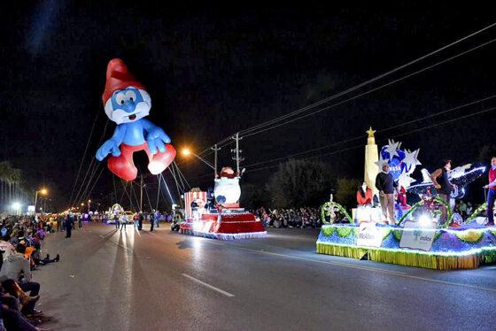 Lighted Papa Smurf Parade Balloon
